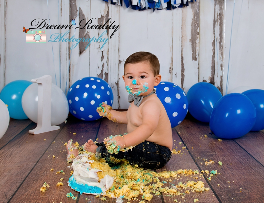 dream-reality-photography-cake-smash-boy-portraits-howell-nj-2